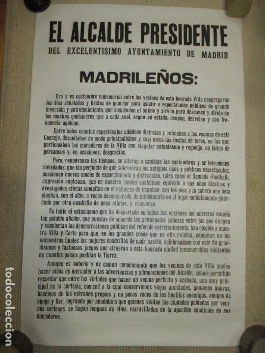BANDO DEL ALCALDE DE MADRID ENRIQUE TIERNO GALVÁN, AUTÉNTICO, SOBRE EL MUNDIAL DE FÚTBOL 1982, DOBLE (Coleccionismo Deportivo - Carteles de Fútbol)