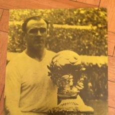 Coleccionismo deportivo: CARTEL POSTER CON INFORMACION DEL JUGADOR DI STEFANO REAL MADRID BRASIL. Lote 130216583