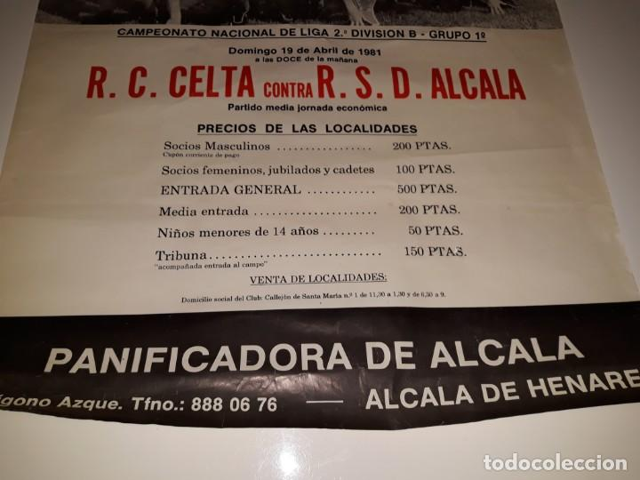 Coleccionismo deportivo: ANTIGUO CARTEL DE FUTBOL 2ª DIVISION B GRUPO 1 RSD ALCALA US CELTA DE VIGO AÑO 1981 ESTADIO VAL - Foto 5 - 130816844