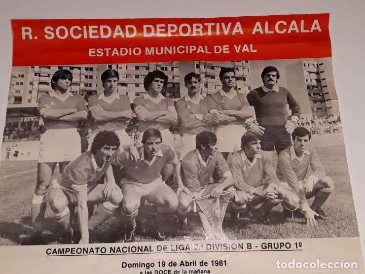 Coleccionismo deportivo: ANTIGUO CARTEL DE FUTBOL 2ª DIVISION B GRUPO 1 RSD ALCALA US CELTA DE VIGO AÑO 1981 ESTADIO VAL - Foto 8 - 130816844