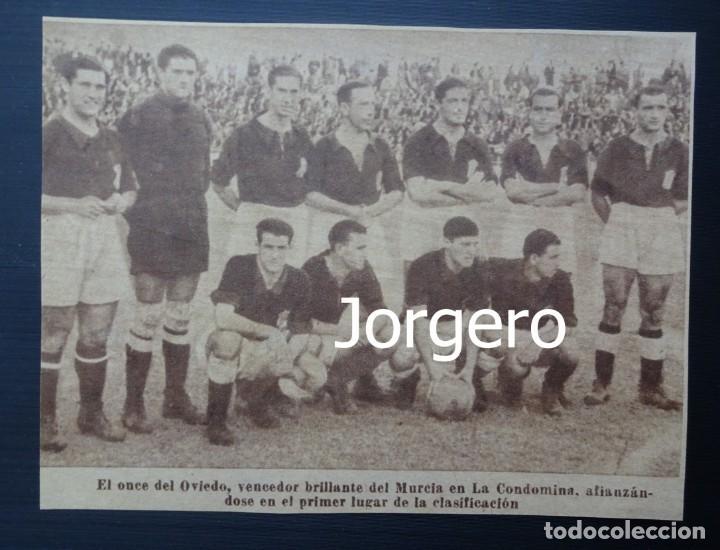 R. OVIEDO. ALINEACIÓN PARTIDO DE LIGA 1945-1946 EN LA CONDOMINA CONTRA EL MURCIA. RECORTE (Coleccionismo Deportivo - Carteles de Fútbol)