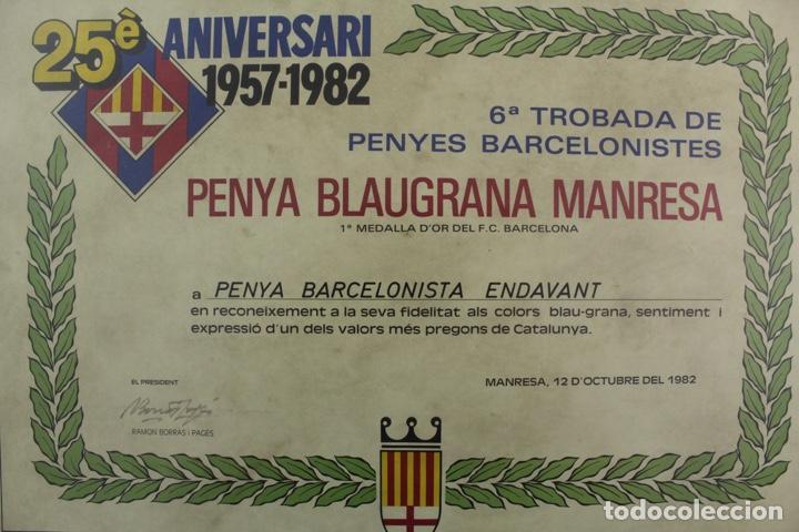 Coleccionismo deportivo: C-781. F.C.BARCELONA. CARTEL 25 ANIVERSARI 1957-1982. PENYA BLAUGRANA MANRESA. ENMARCAT. - Foto 2 - 139545546