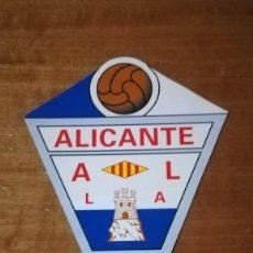 Coleccionismo deportivo: ESCUDO CAMPAÑA DE ABONOS DEL ALICANTE C.F. 2002/2003. Lote 140515030