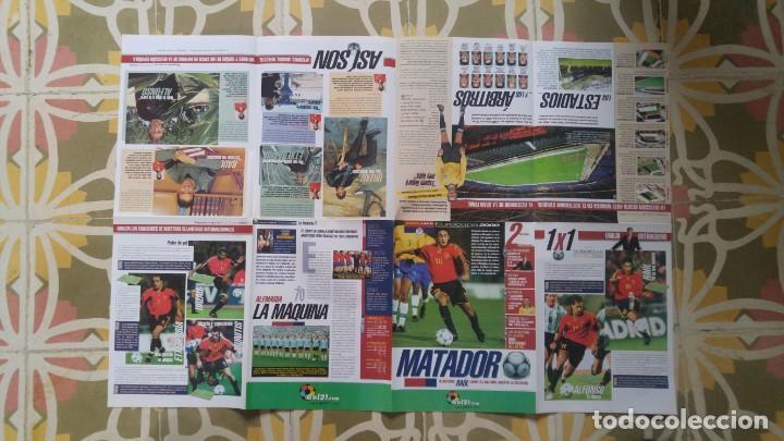 Coleccionismo deportivo: POSTER EUROCOPA 2000 ESTRELLAS DE LA SELECCION RAUL GONZALEZ ALFONSO PEREZ JOSEBA ETXEBARRIA - Foto 2 - 143872246