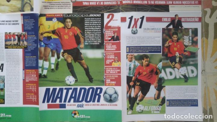Coleccionismo deportivo: POSTER EUROCOPA 2000 ESTRELLAS DE LA SELECCION RAUL GONZALEZ ALFONSO PEREZ JOSEBA ETXEBARRIA - Foto 3 - 143872246