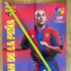 Coleccionismo deportivo: POSTER GOLOSINAS VIDAL IVAN DE LA PEÑA F.C. BARCELONA TEMPORADA 1996-97 CHICLES. Lote 143932322