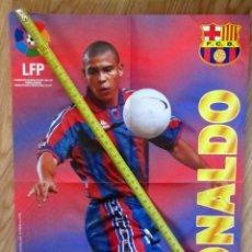 Coleccionismo deportivo: POSTER GOLOSINAS VIDAL RONALDO F.C. BARCELONA BARÇA TEMPORADA 1996-97 CHICLES. Lote 143932586