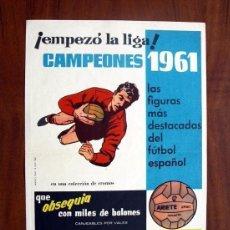 Coleccionismo deportivo: CARTEL - CROMOS CAMPEONES 1961 - EDITORIAL BRUGUERA - TAMAÑO 38X27. Lote 146267918