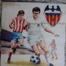 Coleccionismo deportivo: CARTEL FUTBOL VALENCIA CF ATLETICO MADRID, CON CALENDARIO 1979DE PUBLICIDAD, LIESA , ORIGINAL . Lote 147988338