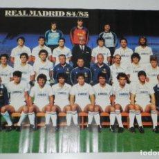 Coleccionismo deportivo: CARTEL, POSTER REAL MADRID TEMPORADA 1984 1985 - 84/85 - CON LAS FIRMAS IMPRESAS DE LOS JUGADORES, M. Lote 159953906