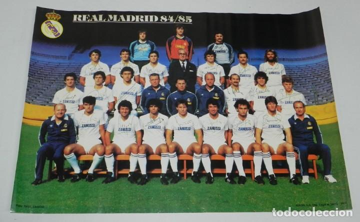 Coleccionismo deportivo: CARTEL, POSTER REAL MADRID TEMPORADA 1984 1985 - 84/85 - CON LAS FIRMAS IMPRESAS DE LOS JUGADORES, M - Foto 2 - 159953906