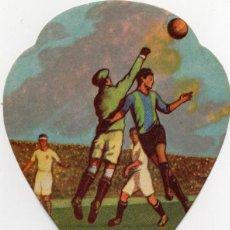 Coleccionismo deportivo: FUTBOL, ABANICO PAYPAL AÑOS 40,CON PUBLICIDAD CONDIMENTOS PIEL-ROJA. Lote 160339634