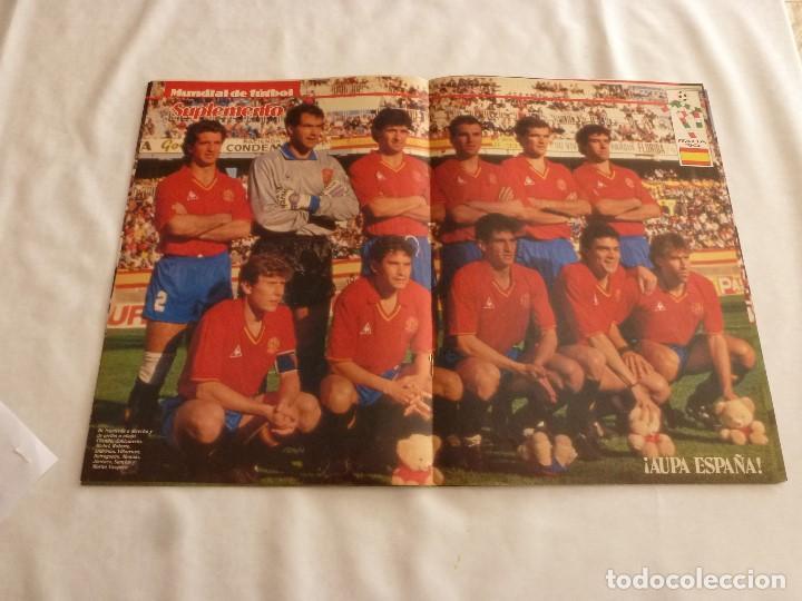 POSTER(28 X 41)SELECCIÓN DE ESPAÑA EN MUNDIAL DE ITALIA 1990 (Coleccionismo Deportivo - Carteles de Fútbol)