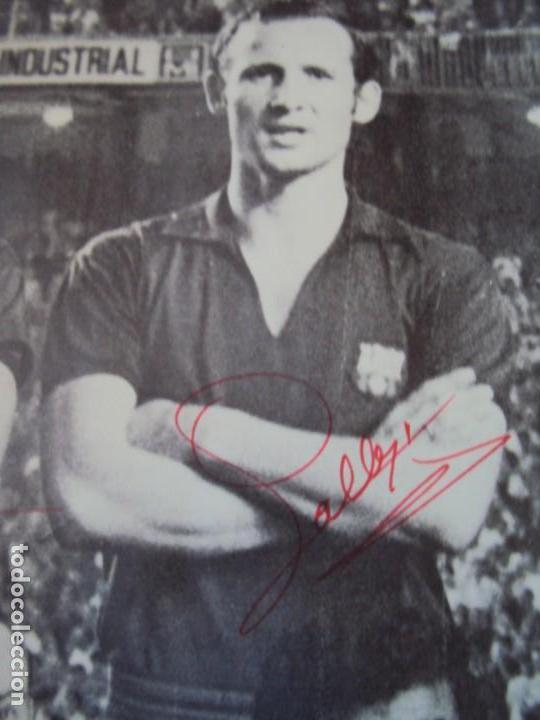 Coleccionismo deportivo: (F-190550)CARTEL C.F.BARCELONA CAMPEON DE ESPAÑA 1967-68 AUTOGRAFOS ORIGINALES - Foto 4 - 164114438