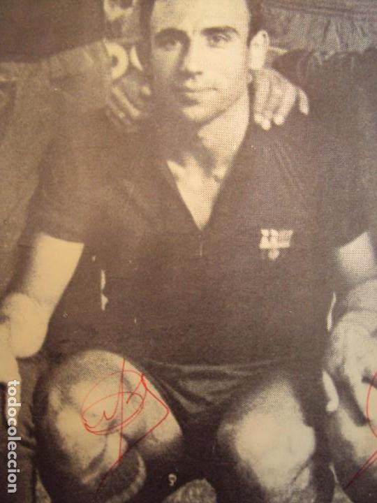 Coleccionismo deportivo: (F-190550)CARTEL C.F.BARCELONA CAMPEON DE ESPAÑA 1967-68 AUTOGRAFOS ORIGINALES - Foto 9 - 164114438