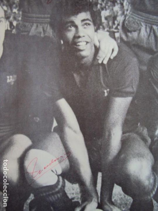 Coleccionismo deportivo: (F-190550)CARTEL C.F.BARCELONA CAMPEON DE ESPAÑA 1967-68 AUTOGRAFOS ORIGINALES - Foto 11 - 164114438