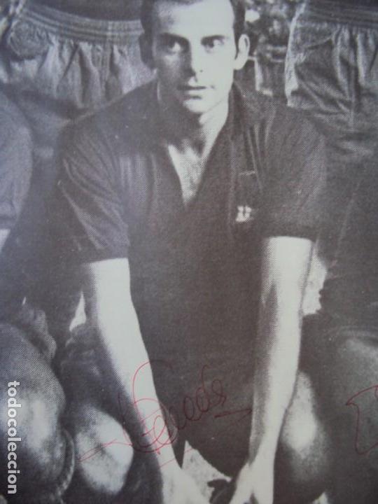 Coleccionismo deportivo: (F-190550)CARTEL C.F.BARCELONA CAMPEON DE ESPAÑA 1967-68 AUTOGRAFOS ORIGINALES - Foto 12 - 164114438