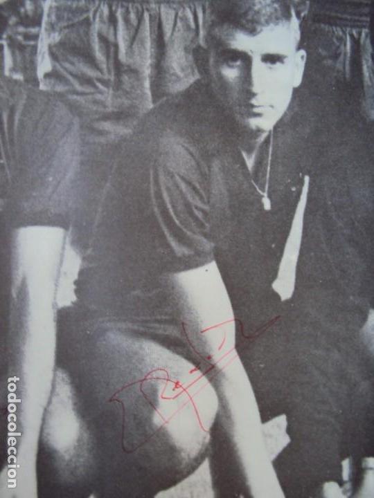 Coleccionismo deportivo: (F-190550)CARTEL C.F.BARCELONA CAMPEON DE ESPAÑA 1967-68 AUTOGRAFOS ORIGINALES - Foto 13 - 164114438