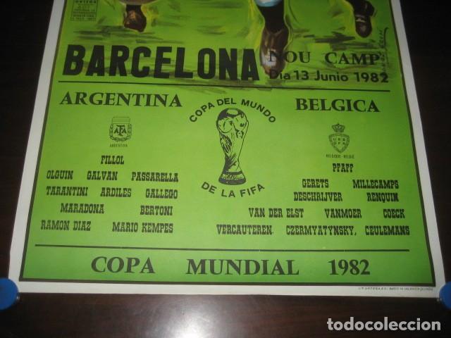 Coleccionismo deportivo: CARTEL POSTER FUTBOL MUNDIAL ESPAÑA 1982. ESTADIO NOU CAMP BARCELONA. ARGENTINA - BELGICA - Foto 3 - 168245312