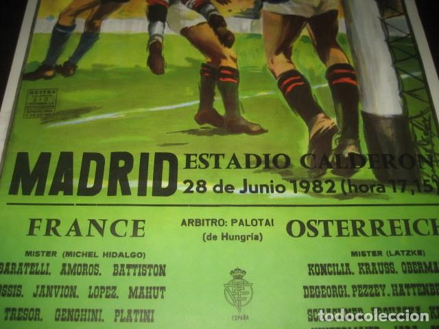 Coleccionismo deportivo: CARTEL POSTER FUTBOL MUNDIAL ESPAÑA 1982. ESTADIO V. CALDERON, MADRID. FRANCIA - AUSTRIA - Foto 4 - 168245564