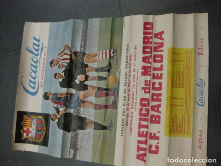 Coleccionismo deportivo: cartel campeonato nacional liga 1960 atletico de madrid futbol club barcelona cacaolat barça - Foto 2 - 202962351