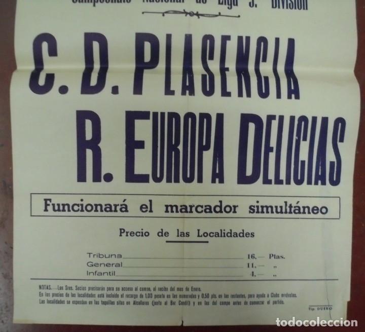 Coleccionismo deportivo: CARTEL FUTBOL. ESTADIO MUNICIPAL. 1959. C.D.PLASENCIA - R.EUROPA DELICIAS. VER - Foto 2 - 176893959