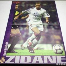 Coleccionismo deportivo: POSTER ZIDANE - TEMPORADA 2001-02 - REVISTA DON BALON - FUTBOL - REAL MADRID. Lote 177488468