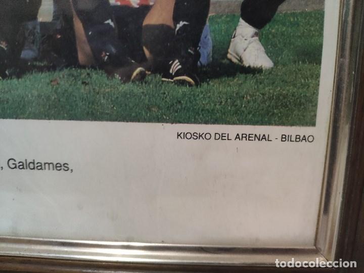 Coleccionismo deportivo: ATHLETIC DE BILBAO Gran poster enmarcado temporada 1992-93 firmas impresas - Foto 3 - 180945956