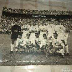 Coleccionismo deportivo: POSTER VALENCIA C.F CAMPEON COPA DEL GENERALISIMO 1967 FIRMADO!!. Lote 24388196