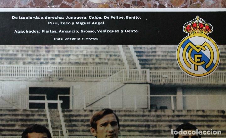 Coleccionismo deportivo: POSTER ACTUALIDAD ESPAÑOLA. FUTBOL REAL MADRID C.F. TEMPORADA 1969-1970. GRAN FORMATO 51 x 66 CM.. - Foto 4 - 191938065