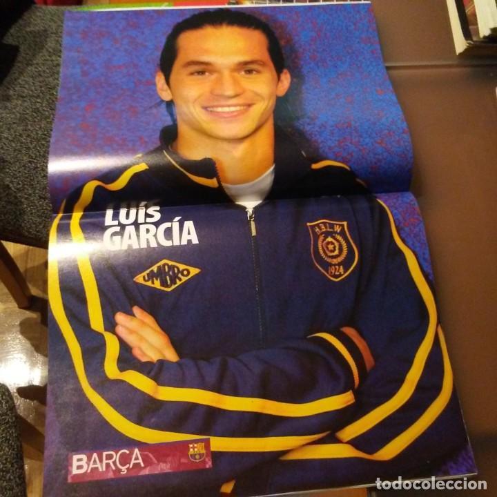 Coleccionismo deportivo: REVISTA OFICIAL FC BARCELONA CON PÓSTER N°6 - Foto 2 - 192886070