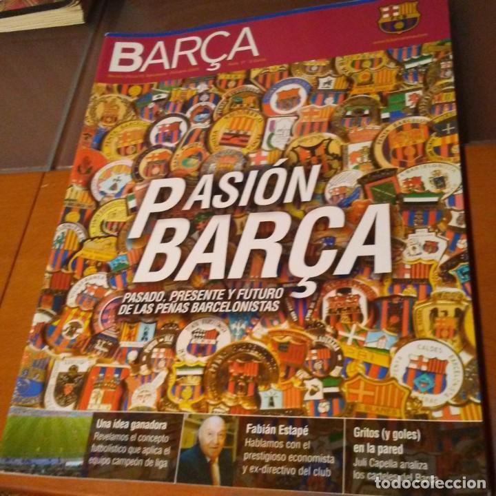 REVISTA OFICIAL FC BARCELONA CON PÓSTER N°17. AÑO 2005 (Coleccionismo Deportivo - Carteles de Fútbol)