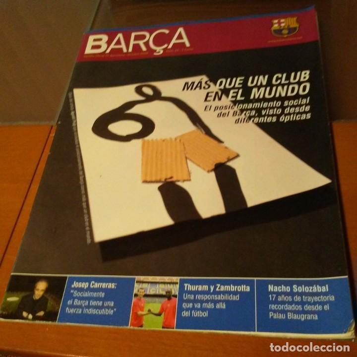 REVISTA OFICIAL FC BARCELONA CON PÓSTER N°23. AÑO 2006 (Coleccionismo Deportivo - Carteles de Fútbol)