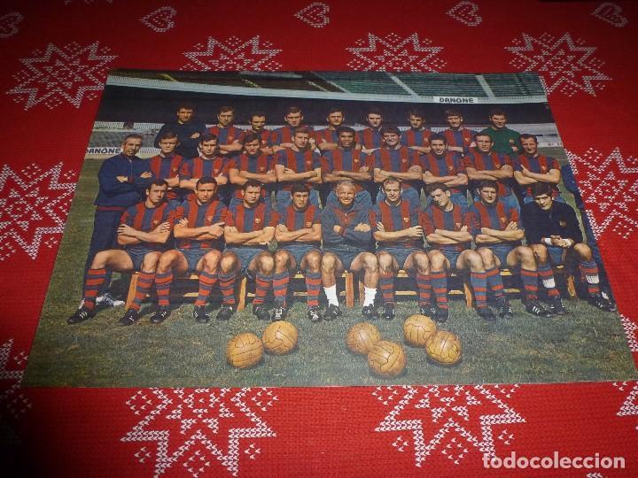 GRAN LÁMINA PAPEL GRUESO (29 CM X 41 CM)PLANTILLA BARÇA TEMPORADA 1968-69 F.C.BARCELONA (Coleccionismo Deportivo - Carteles de Fútbol)