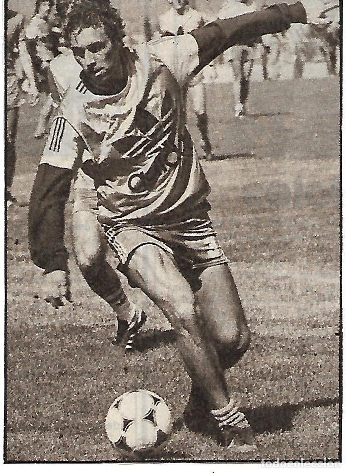 QUINI: RECORTE SUYO ENTRENANDO (Coleccionismo Deportivo - Carteles de Fútbol)