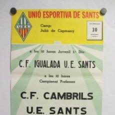 Coleccionismo deportivo: UNIÓ ESPORTIVA SANTS - CF CAMBRILS. CARTEL PARTIDO DE FÚTBOL CATALÁN 1983. PUBLICIDAD CERVEZA . Lote 196896788