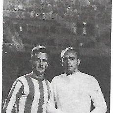 Coleccionismo deportivo: REAL SPORTING DE GIJÓN: RECORTE DE CASTAÑER CON DI STEFANO. Lote 199044131
