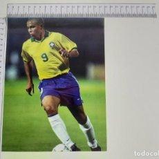 Coleccionismo deportivo: LAMINA DEL COLECCIONABLE LAS ESTRELLAS DEL MUNDIAL 98 FUTBOL RONALDO(BRASIL). Lote 199423532