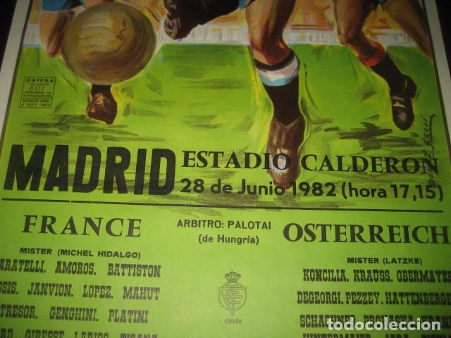 Coleccionismo deportivo: CARTEL POSTER FUTBOL MUNDIAL ESPAÑA 1982. ESTADIO V. CALDERON, MADRID. FRANCIA - AUSTRIA - Foto 4 - 200026386