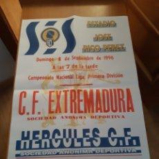 Coleccionismo deportivo: CARTEL PÓSTER FÚTBOL HÉRCULES EXTREMADURA PRIMERA DIVISIÓN 96 97 1996 1997. Lote 202682962