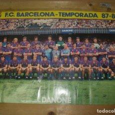 Coleccionismo deportivo: CARTEL POSTER FC BARCELONA TEMPORADA 87/88 1987 1988 DANONE 63 X 43 CMS. Lote 203461381