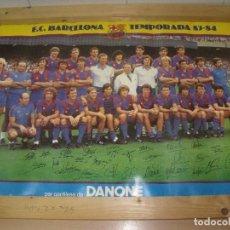 Coleccionismo deportivo: FC BARCELONA CARTEL POSTER PLANTILLA TEMPORADA 1983 83 84 MARADONA 63 X 43 CMS APROX. Lote 203461527