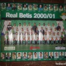 Coleccionismo deportivo: PÓSTER PLANTILLA Y CUERPO TÉCNICO REAL BETIS BALOMPIÉ 2000-2001. Lote 204165240