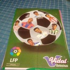 Coleccionismo deportivo: LOTE DE 18 POSTERS VIDAL GOLOSINAS, LIGA FÚTBOL PROFESIONAL 1996-1997. Lote 207128162