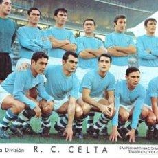 Coleccionismo deportivo: REAL CLUB CELTA: LÁMINA DE LA TEMPORADA 69-70. Lote 215372027