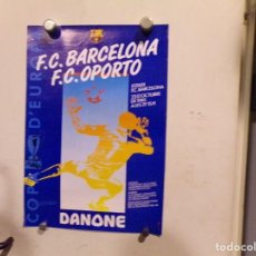 Coleccionismo deportivo: POSTER ORIGINAL DE LA EPOCA FUTBOL CLUB BARCELONA COPA DE EUROPA DANONE. Lote 217093580