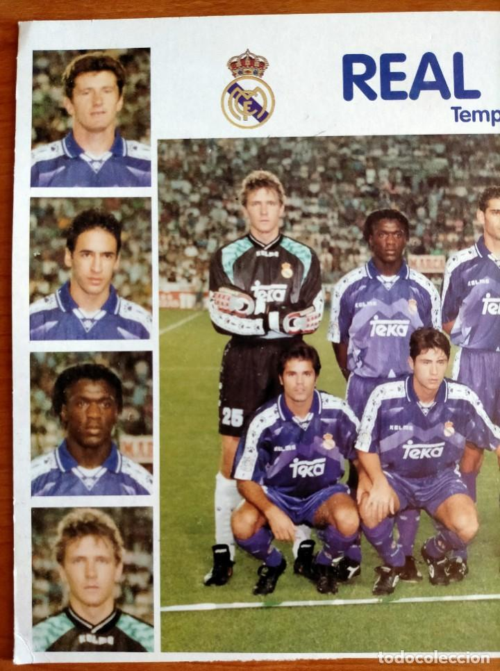 Coleccionismo deportivo: Póster plantilla Real Madrid 96/97 - Foto 2 - 220794143