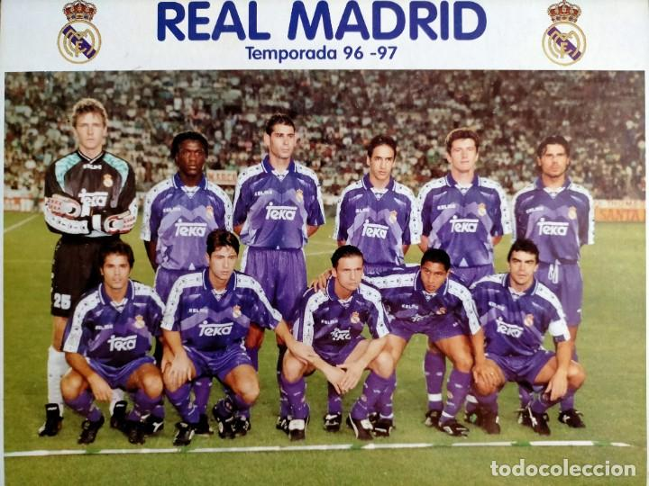 Coleccionismo deportivo: Póster plantilla Real Madrid 96/97 - Foto 4 - 220794143