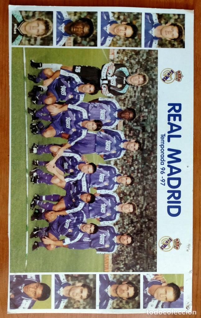 Coleccionismo deportivo: Póster plantilla Real Madrid 96/97 - Foto 5 - 220794143