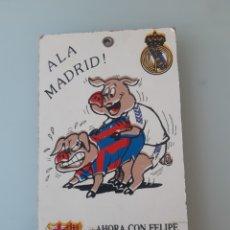 Coleccionismo deportivo: CARTEL CUADRO REAL MADRID BARCELONA SATIRA CERDOS AÑOS 90 1990. Lote 261194985